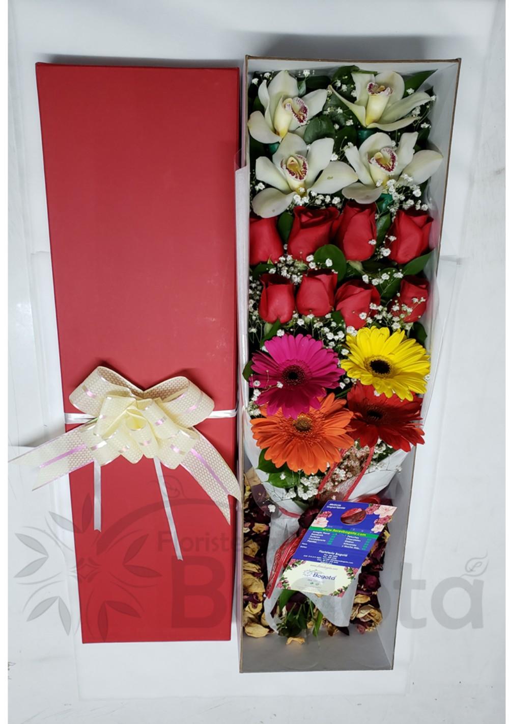 Caja con Rosas, Gerberas, Orquídeas